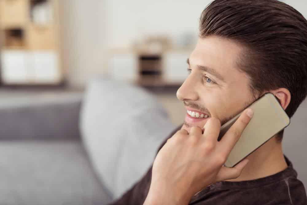 Menelepon Orang