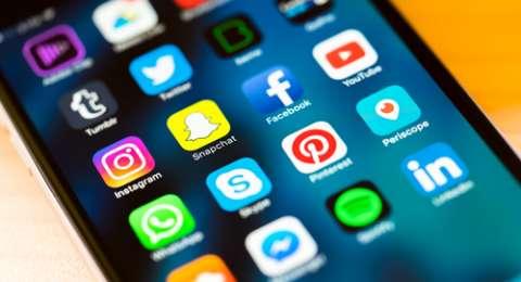 media sosial telkomsel